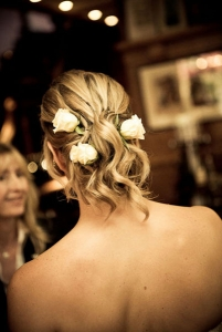 Relaxed undone wedding hair natural flowers