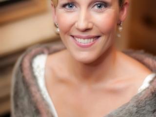 Timeless pink toned wedding makeup