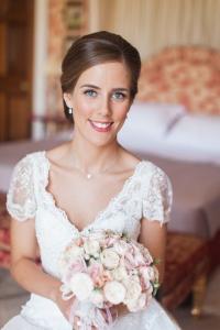 Elegant bridal hair and makeup