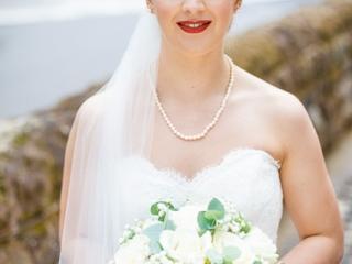 Statement red lip wedding makeup