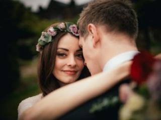 Floral rose crown wedding hair